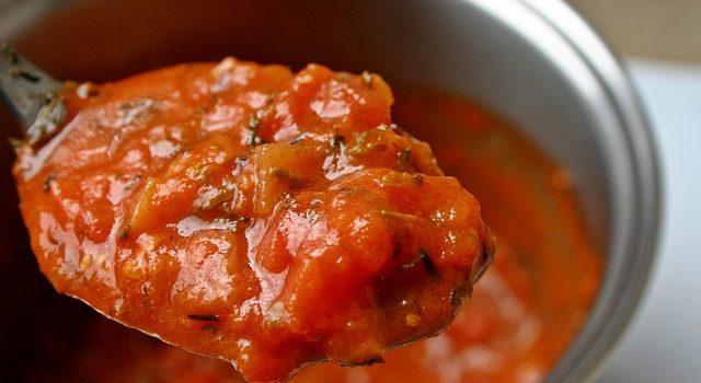 Tomatensoße mit Datteln